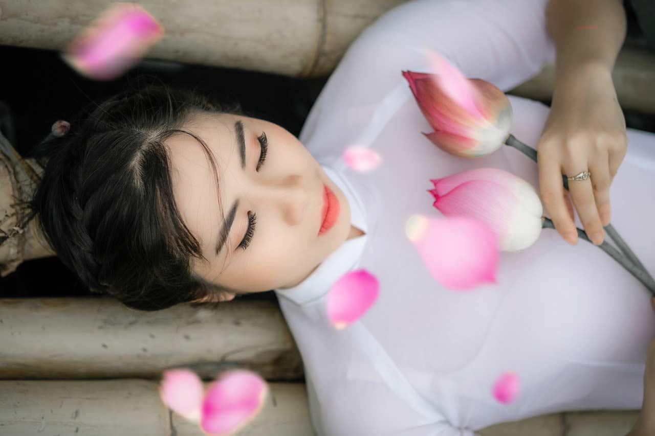 Vietnamese girl with flower