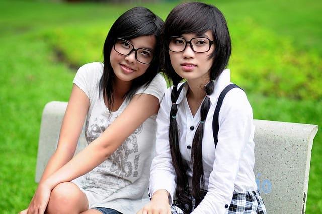 Vietnamese girls wearing glasses