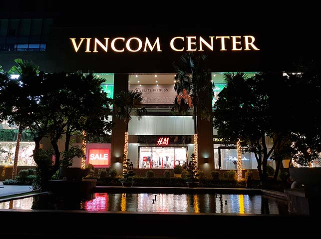 Vincom center day game spot in ho chi minh city