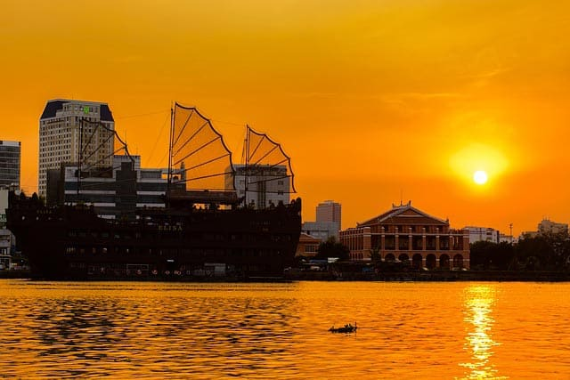 Where to stay in ho chi minh city: Dragon Wharf