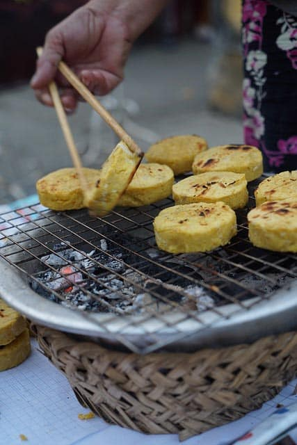 where to stay in ho chi minh city: grilling cakes