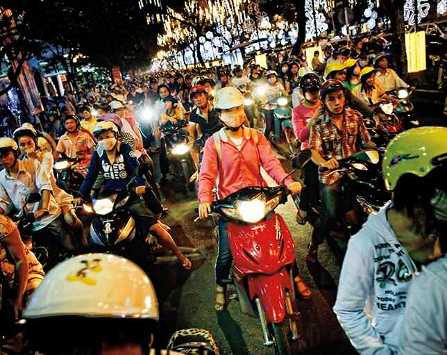 where to stay in ho chi minh city: Rush hour traffic