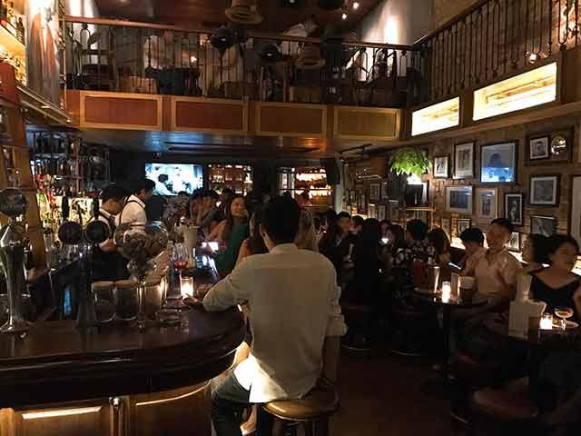 Polite and co bar to meet hanoi girls