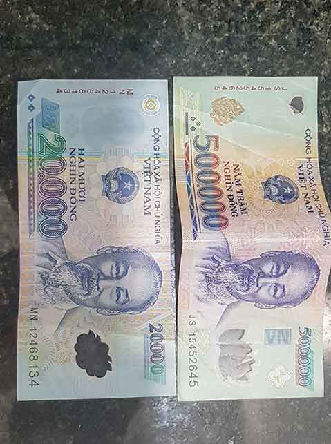 A 20k and 500k Vietnamese bill
