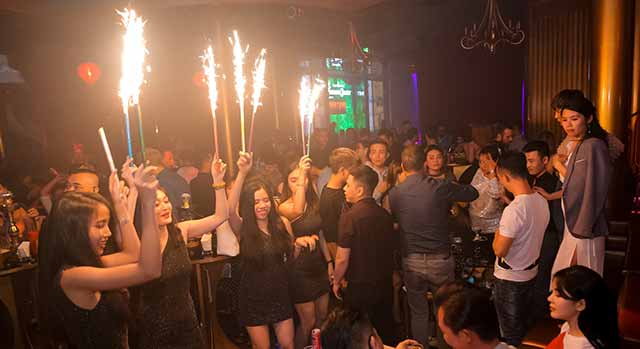 Envy Club: meet girls in ho chi minh city