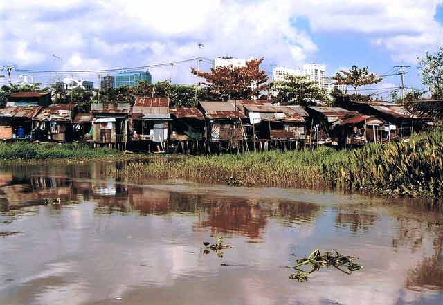 slum in Vietnam