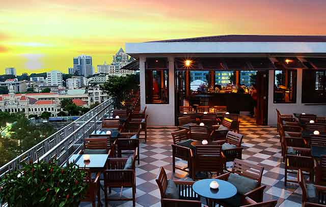 saigon saigon rooftop bar