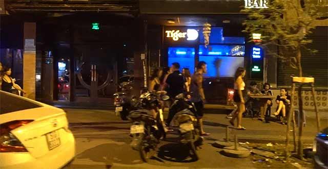 Bars on pasteur street