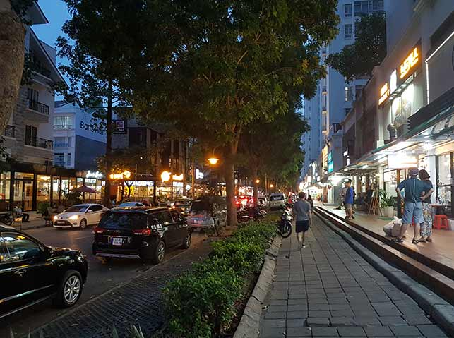 Where to stay in ho chi minh city: Pham Van Nghi Street.