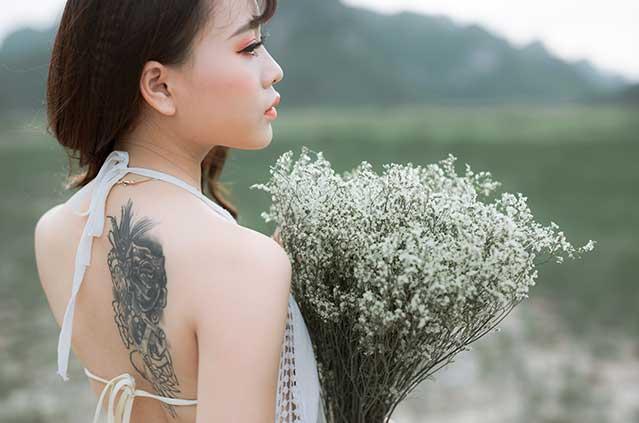 girl with tattoe