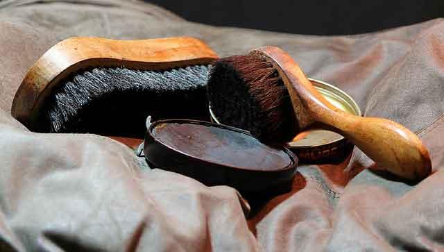 Shoeshine scam