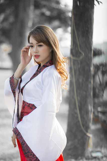Vietnamese girl in Japanese dress