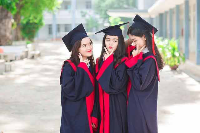 Vietnamese girls graduating