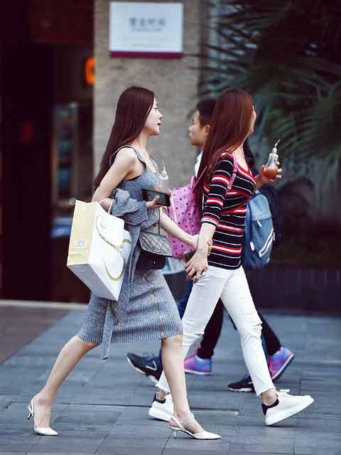 Asian girls go shopping